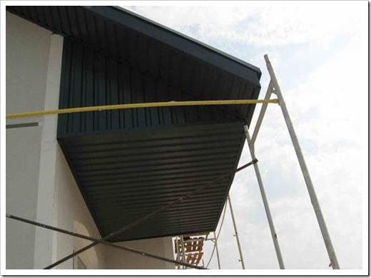 Как подшить карниз крыши профнастилом?