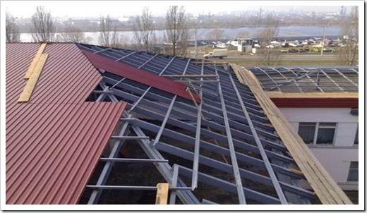 Устройство односкатной крыши из профнастила