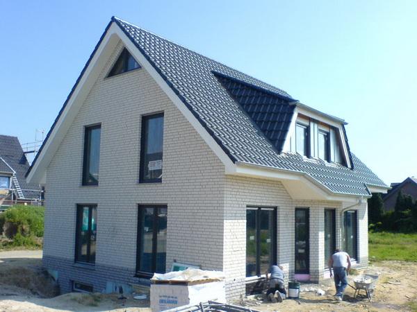 Как построить дом из теплоблока своими руками