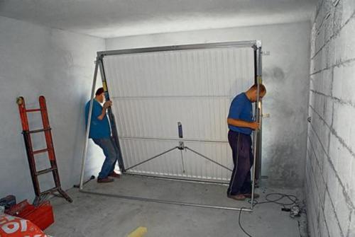 Гаражные ворота установка