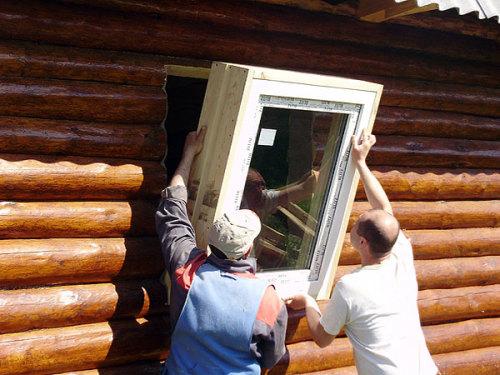 ustanovka-plastikovogo-okna-v-derevyannyiy-dom