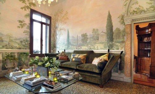 фреска на стене