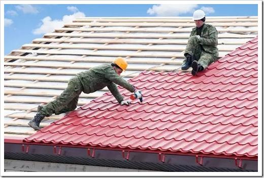 Как устранить большую пробоину в крыше?