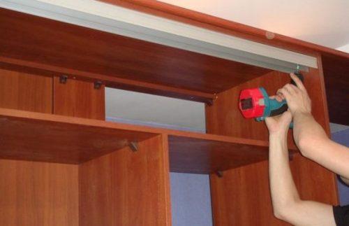как установить шкаф купе