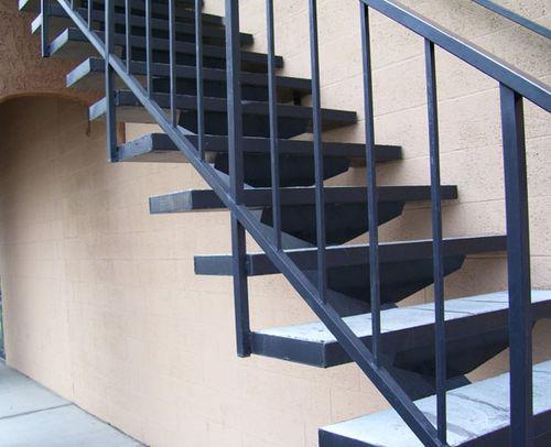 Какой швеллер использовать для лестницы