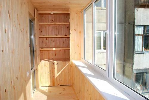 Чем лучше отделать балкон внутри