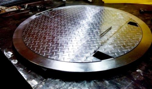 Где используются люки из нержавеющей стали