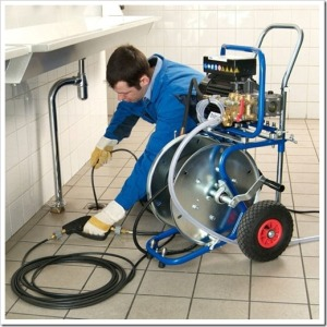 Сложности в прочистке стояка канализации