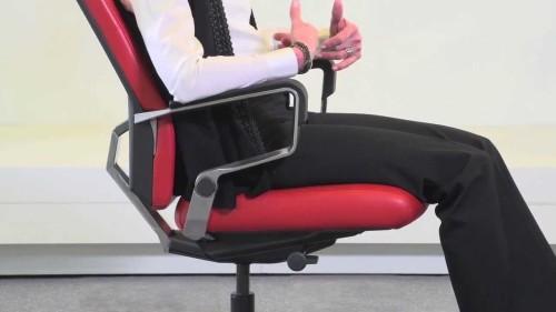 Как отрегулировать офисное кресло