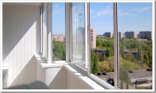 Факторы, от которых зависит цена остекления балконов