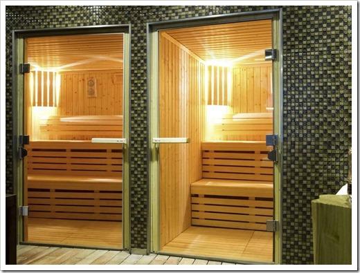Специализированные двери для бань из стекла